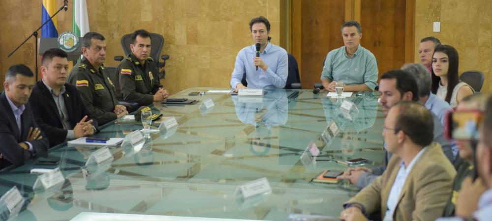 Como medida para garantizar abastecimiento de productos en Medellín y Antioquia fue levantado el Pico y Placa para vehículos de carga
