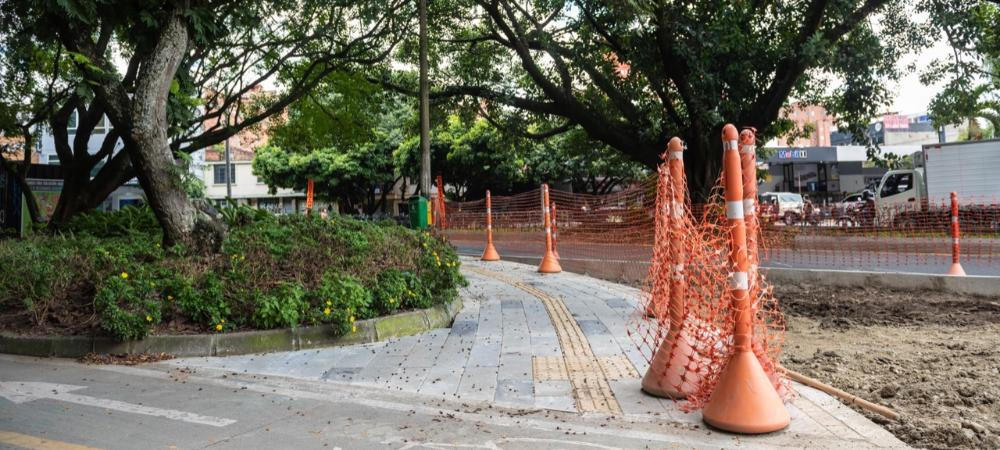 La Avenida Jardín y el Segundo Parque de Laureles se renuevan con una inversión de $9.028 millones
