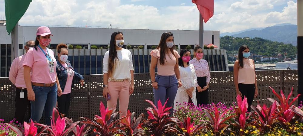 Medellín firma pacto por la lucha contra el cáncer de mama
