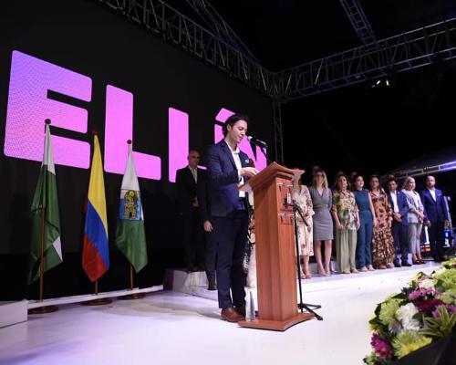 Daniel Quintero Calle se posesionó como alcalde de Medellín 2020 - 2023