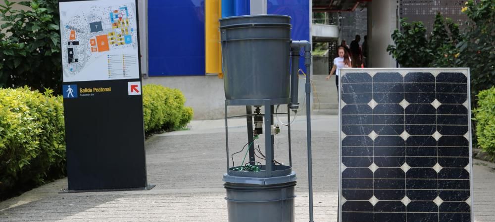 Estudiantes de Medellín          crearon la primera lavadora solar de Colombia