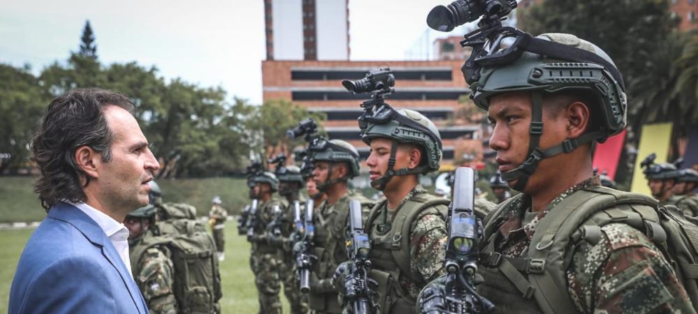 Dotación para las fuerzas especiales que combaten el crimen