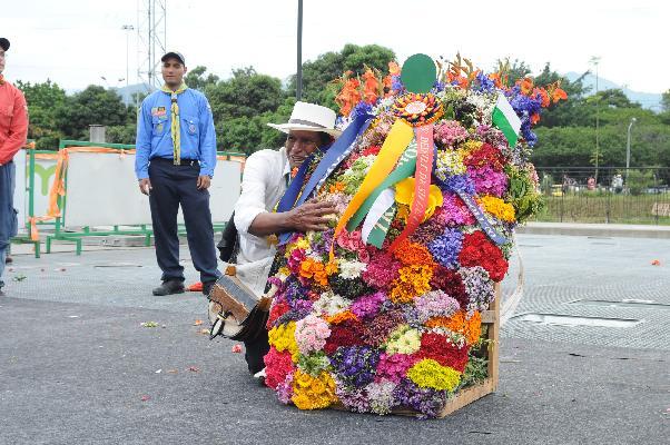 De la vereda El Llano, Luis Alfonso Rave, fue el Ganador Absoluto de la edición 55 del Desfile de Silleteros que demostró porque Medellín es un hogar para la vida
